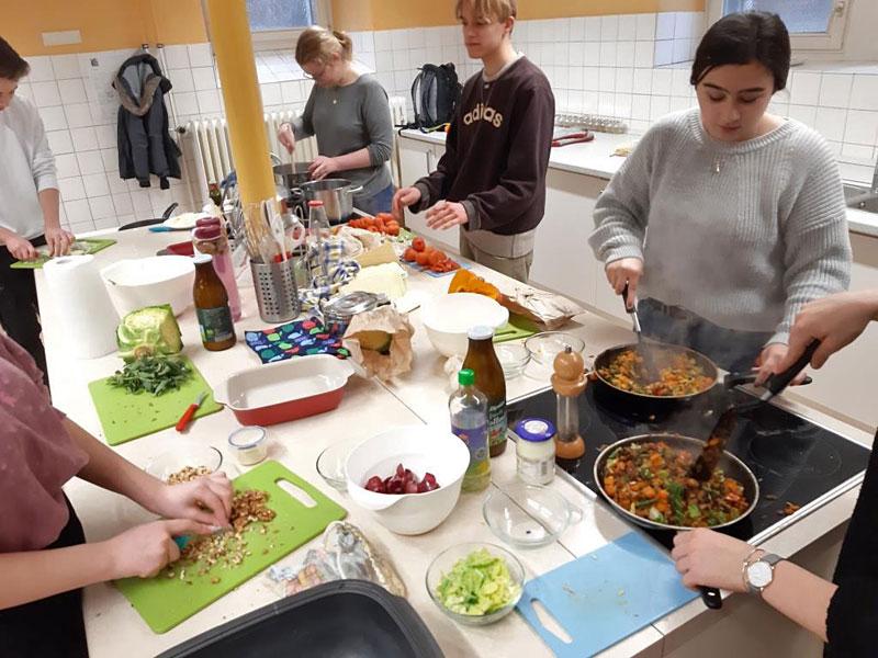 Nachhaltig kochen – ein Projekt des MINT-Erdkunde-Praktikums der 10. Jahrgangsstufe