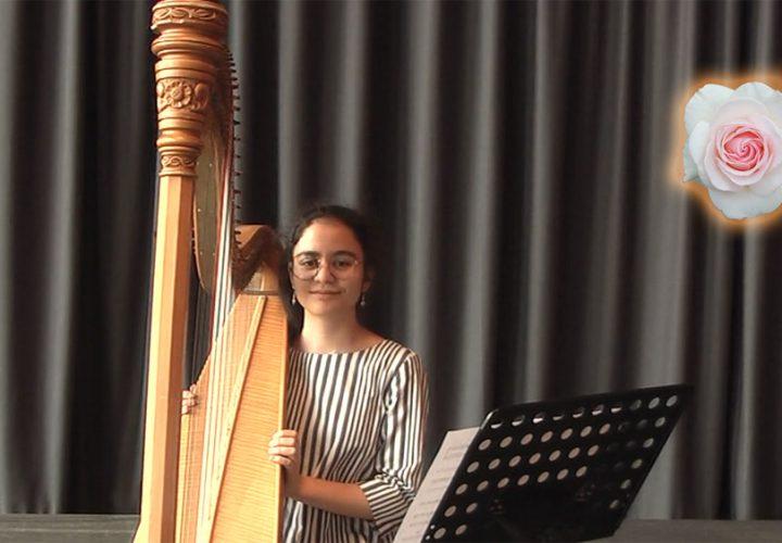 KiS 2020: Iman spielt auf der Harfe Händel und die Beatles